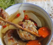 Suông Vermicelli Soup (Bún Suông) maybe is a strange food for many people in . Easy Vietnamese Recipes, Vietnamese Cuisine, Vietnamese Noodle, Noodle Recipes, Soup Recipes, Vermicelli Soup Recipe, Shrimp Balls, Dried Shrimp, Pork Meat