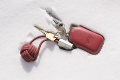 BOLD Knot: Power Bank-Charger-Cable on a Keychain | Indiegogo