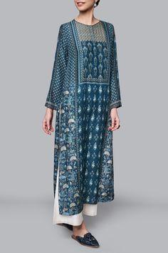 Ladies Kurta - Buy Inaya Kurta for Women Online - - Anita Dongre Indian Wedding Outfits, Indian Outfits, Kurta Patterns, Indian Designer Suits, Anita Dongre, Designer Party Wear Dresses, Dress Alterations, Embroidery Suits Design, Kurta Designs Women