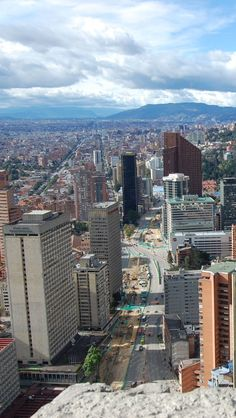 Quieres Viajar a #Bogota #DestinoFavorito en #EasyFly. Más en www.easyfly.com.co/Vuelos/Tiquetes/vuelos-desde-bogota World Cities, Best Cities, Beautiful Places To Visit, Places To See, Places Around The World, Around The Worlds, Chili, Colombia South America, Argentine