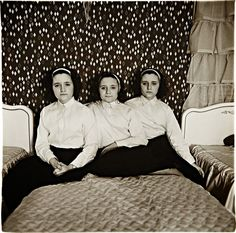Diane Arbus, Triplets in their Bedroom, New Jersey, 1963