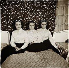 Diane Arbus, Triplets in their Bedroom, New Jersey, 1963