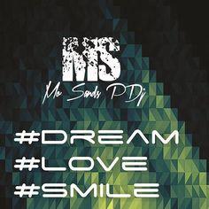 Sueña. Ama. Sonríe. Es lo único importante en la vida. #dream #love #smile #producer #edm #quotes #happy