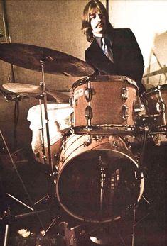 Ringo Starr, George Harrison, Pop Rock Bands, Cool Bands, Paul Mccartney, John Lennon, Barbara Bach, Rock N Roll, Ludwig Drums
