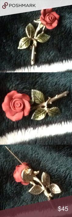 🎉💝🌹SALE lapel broach VINTAge antique SALE🌹🎉💋 2inch long antique lapel broach rose pin just gorgeous 🌺🌹💋🌷 porcelain antique Jewelry Brooches