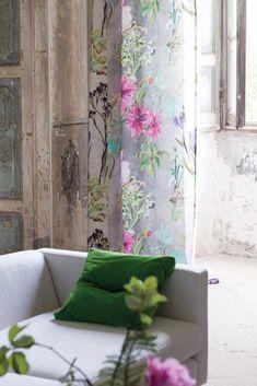 Designers Guild Madhuri fabric print, digitally printed 🌹 ᘡℓvᘠ❉ღϠ₡ღ✻↞❁✦彡●⊱❊⊰✦❁ ڿڰۣ❁ ℓα-ℓα-ℓα вσηηє νιє ♡༺✿༻♡·✳︎· ❀‿ ❀ ·✳︎· SAT NOV 2016 ✨ gυяυ ✤ॐ ✧⚜✧ ❦♥⭐♢∘❃♦♡❊ нανє α ηι¢є ∂αу ❊ღ༺✿༻✨♥♫ ~*~ ♪ ♥✫❁✦⊱❊⊰●彡✦❁↠ ஜℓvஜ 🌹 Decor, Colorful Interiors, Front Room, Floral Curtains, Home Decor, Designers Guild, Tricia Guild, Interior Design, Furnishings
