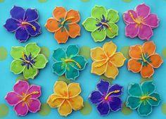 Hibiscus Flower Cookies--OMG, I have gotta try to make these someday! Hawaiian Cookies, Luau Cookies, Summer Cookies, Iced Cookies, Easter Cookies, Cupcake Cookies, Cupcakes, Moana Cookies, Luau Theme