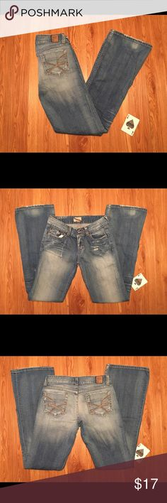 BKE Culture Stretch Distressed Bootcut Jeans A Very Nice Pair Of BKE Culture Stretch Distressed Bootcut Jeans Tag Size 27x33.5, But Measured At 26x33.5. These Jeans Are In Good Condition With No Stains. BKE Jeans