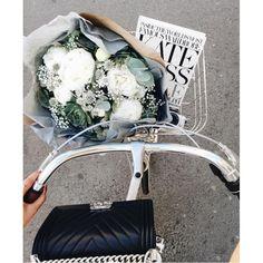 Divat kétkeréken - Biciklivel stílusosan? Nem lehetetlen! Kattints a folytatásért: fave.hu vagy a profil-linken! #fashion #fashionista #fashionable #photooftheday #instagood #look #style #instagood #picoftheday #igers #instadaily #mik #instahun #ikozosseg