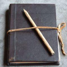 Versuche ein Tagebuch in der Sprache, die du lernst, zu schreiben.