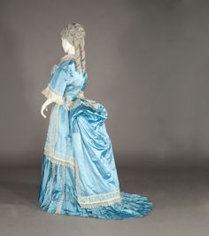 Evening dress, ca. 1870-1875. Kobe Fashion Museum