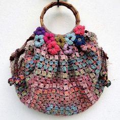 New Crochet Granny Square Bag Pictures Ideas Love Crochet, Bead Crochet, Crochet Granny, Beautiful Crochet, Crochet Crafts, Crochet Squares, Crochet Handbags, Crochet Purses, Crochet Bags