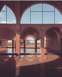 Casa dos Arcos, João Filgueiras Lima 1978 #modernist #midcentury #midcenturymodern  #brick #architecture #archilovers #brazil  @joanafranca