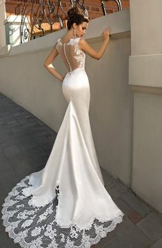 Romantic Tulle Floor-length Mermaid Wedding Dresses With Beadings & La – Midi Bridal UK Sexy Wedding Dresses, Gorgeous Wedding Dress, Designer Wedding Dresses, Bridal Dresses, Wedding Gowns, Bridesmaid Dresses, Lace Bridesmaids, Modest Wedding, Dresses Dresses