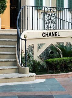 Enseigne Chanel.
