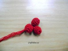Christmas ideas: Crochet Holly leaves and berries - Craft Ideas - Crafts for Kids - HobbyCraft