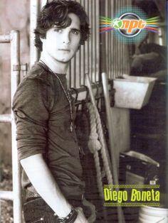 Diego Boneta Group: [SCAN] Poster de Diego Boneta en la revista Notas ...