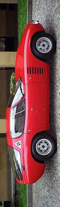 1964 Alfa Romeo Canguro Concept Car by Giorgetto Giugiaro for Bertone