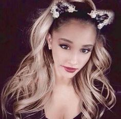 ♡Shes so pretty! Cat Ears Headband, Ear Headbands, Ariana Grande Hair Color, Shes Perfect, Shes Amazing, Dangerous Woman, Snl, Photos, Pictures