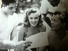 """Marilyn reading a letter on set of """"Scudda Hoo! Progressive Lady, Norma Jean Marilyn Monroe, I Give Up, Norma Jeane, On Set, Most Beautiful Women, Pretty Face, Old Hollywood, Studying"""