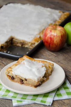 French Apple Slab Pie - If you need to feed dessert to a crowd, this French apple slab pie will do the trick! The French apple includes raisins, but you can leave them out if you prefer. The icing on the top is indeed the icing on the pie! Chef Recipes, Apple Recipes, Dessert Recipes, Apple Desserts, Gourmet Desserts, Pastry Recipes, Tart Recipes, Plated Desserts, Sweet Recipes