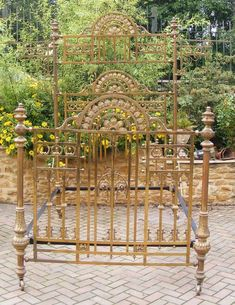 Victorian Brass Half Tester Bedstead - Antiques Atlas Victorian Bed, Victorian Decor, Victorian Ladies, Antique Beds, Antique Metal, Antique Furniture, Castle Bedroom, Wrought Iron Beds, Brass Bed