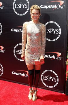 Amy Purdy and golden heels. She's gorgeous!