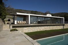 North of Viana do Castelo, between mountains and sea, Afife has a wonderful scenery of landscapes that interlock perfectly. When the client was to show me he had bought the land, could not help but be surprised by the fantastic panoramic view that...