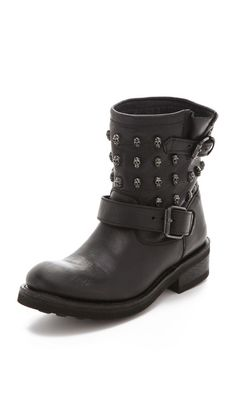 studded...check  skulls...check  moto boot...check  so why am I not totally in love?!?