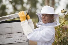 """Meet Beekeeper Mom Nadia: """"People appreciate Moms trying to live their dreams, even if they do it with 2 kids clinging to their legs and have porridge stains all over them. Honey Cosmetics, 6 Months Pregnant, Honey Shop, Call Backs, Big Challenge, 3 In One, Bee Keeping, Mom Blogs, Appreciation"""