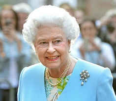 The Queen arrives at the Temple Church