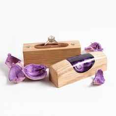 Wood and purple resin Ring box - Cell Phone Ring Stand - Ideas of Cell Phone Ring Stand - Proposal ring box. Wood and purple resin Ring box. Resin Ring, Resin Jewelry, Engagement Ring Holders, Engagement Rings, Proposal Ring Box, Ring Stand, Wood Resin, Cell Phone Holder, Wood Rings