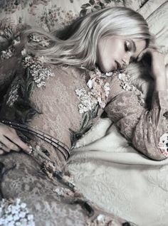 """laviearose: """" laviearose Abbey Lee Kershaw in 'Bloom Forth' by Lachlan Bailey for Vogue China """" Bohemian Girls, Bohemian Gypsy, Bohemian Style, Ibiza Style, Pagan Poetry, Abbey Lee Kershaw, Vogue China, Ibiza Fashion, Taupe Color"""