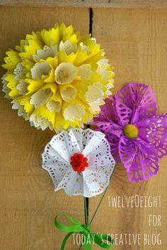 DIY Paper Doily Flowers | TodaysCreativeBlog.net