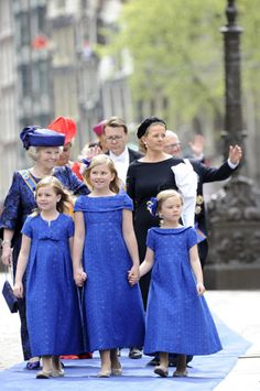 Prinzessin Beatrix und ihre Enkelinnen (Quelle: Reuters)