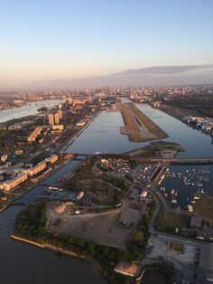 LONDON CITY AIRPORT | SILVERTOWN | LONDON BOROUGH OF NEWHAM | LONDON | ENGLAND: *LCY; 1 Passenger Terminal; 1 Runway*