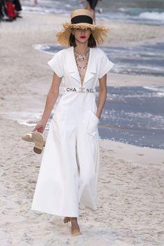 Chanel Prêt-À-Porter Printemps-Été 2019 - Défilés - #Blusasdemoda #Modacasual #Modaestilo #modafemenina #Modaparadamas #Outfitscasuales #Ropademoda