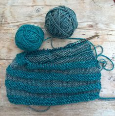 Decided to have a go at a chunky version of the from my book, using my beautiful sea coloured yarn from We've certainly had some cowl weather here in Scotland this week. Sea Colour, Yarn Colors, Cowl, Knitted Hats, Scotland, Weather, Knitting, Sewing, Holiday