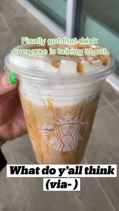 Low Calorie Starbucks Drinks, Cold Starbucks Drinks, Healthy Starbucks, Starbucks Drinks Without Coffee, Starbucks Coffee, Starbucks Secret Menu Drinks, Frappe Recipe, How To Order Starbucks, Coffee Drink Recipes