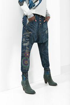 Jeans baggy de mujer Desigual. Nuestro Denim no es lo mismo, ¡descúbrelo!