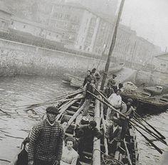 Eulalia Abaitua - Arrantzaleak, 1900 [Santurtzi, Euskadi] Bilbao, Spanish Eyes, Places In Spain, Merchant Navy, Seascape Art, Old Port, Remo, Folk, Vintage Italy