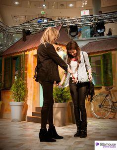Modowy event z udziałem łodzian. 10 sposobów na modę z Mają Sablewską w Galerii Łódzkiej. Odbył się konkurs na najlepszą stylizację, aw nagrodę prócz bonów były zakupy z Mają Sablewską. #sablewska #event #fashion #style #lifestyle #shopping #outfin #casual #womanity #blog #fashionshow #competition # lodz #street #hipster #city #lilla #creation #douglas #gatta