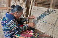 Gusiye Buan is from Kibala, Malungon, Sarangani Province. She is the current cultural master for the Blaan Mabal Tabih skills transfer among the Lamlifew Tribal Women's Association (LTWA) in Datal Tampal, Malungon. Tapas, Model Minority, Living Treasures, Tribal Community, Philippine Art, Mindanao, Tribal Women, Tagalog, Vintage Photographs