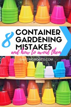 Container gardening in pots on your patio seems easy, but it can be tricky for beginners! Here's 8 mistakes to avoid to keep your vegetables, flowers, and herbs, alive all season. in pots Avoid These 8 Mistakes for a Better Vegetable Container Garden Unique Garden, Diy Garden, Garden Beds, Potted Garden, Garden Cottage, Boxwood Garden, Terrace Garden, Green Garden, Container Gardening Vegetables