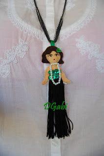 Colgante de muñeca inspirada en los años 20, hecha a mano con fieltro, flecos y lentejuelas