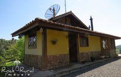 Casa à venda em Gonçalves MG na divisa com o município de Paraisópolis. Terreno com 7,8 alqueires. Mina, riacho, lagos. 13 km do centro da cidade.