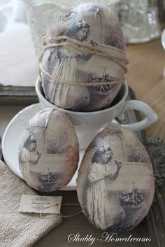 Antiqued Eggs. White, Grey, Chippy, Shabby Chic, Whitewashed, Cottage, French Country, Rustic, Swedish decor Idea. ***Pinned by oldattic***