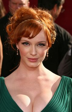 Love this color! Love the style too, but I'd need a person hairstylist every day, Lol!