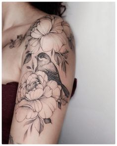 # Tattoo # Traditional Tattoo # Realistic Tattoo # Watercolor Tattoo … – tattoos for women meaningful Cross Tattoos For Women, Tattoos For Women Half Sleeve, Shoulder Tattoos For Women, Bird Shoulder Tattoos, Shoulder Tattoo Female, Cute Tattoos, Beautiful Tattoos, Flower Tattoos, Tattoos Pics