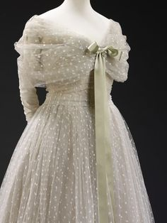 """""""La Ligne Libre; Belgique"""" Gown, 1957 Commissioned by Baroness Alain de Rothschild for the state visit of Queen Elizabeth II and Prince Phillip to Paris. Designed by Christian Dior."""